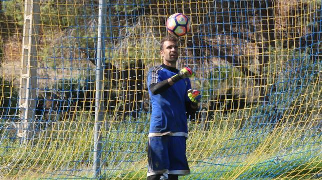 Alberto Cifuentes, en un entrenamiento en El Rosal.