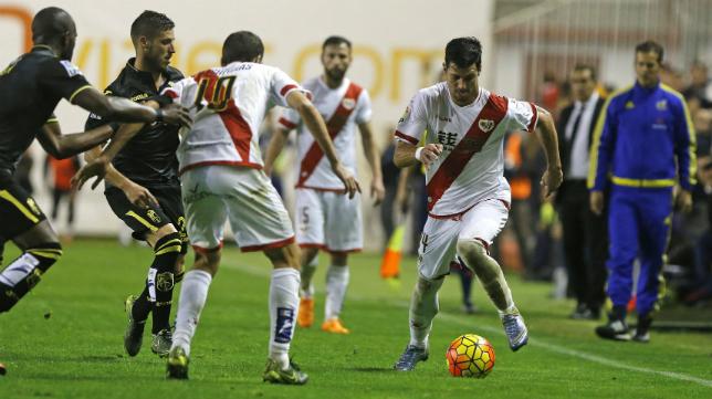 Javi Guerra, futbolista del Rayo Vallecano,