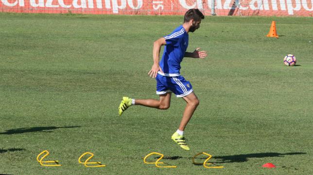 Jose Mari se ejercita en El Rosal en un entrenamiento