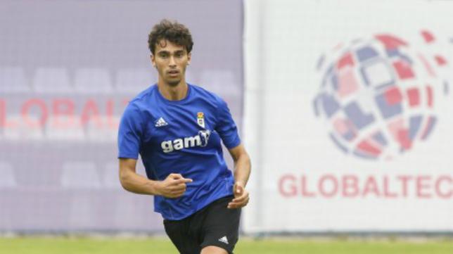 Lucas Torró, sancionado, no estará ante el Cádiz CF. Foto: www.realoviedo.com