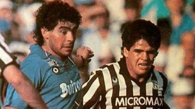 Diego Armando Maradona y Hugo Maradona coincidieron en el fútbol italiano.