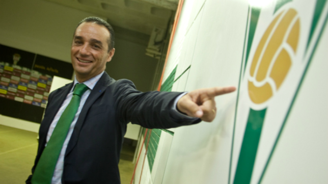 José Luis Oltra, técnico del Córdoba.