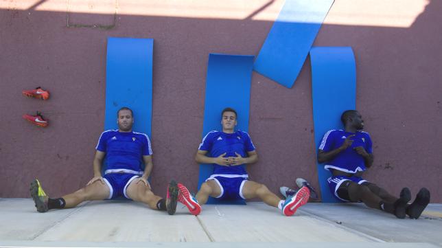 Ortuño, Brian Oliván y Sankaré, en la sesión de descanso del miércoles.