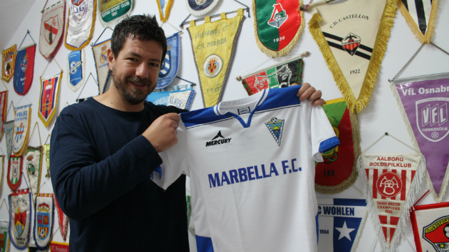 Alessandro Gaucci, en su despacho en el Marbella, el líder del Grupo IV de Segunda B. :
