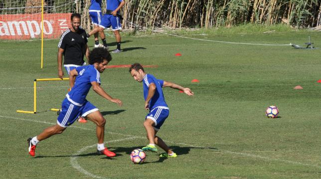 Aridane y Santamaría en un entrenamiento.