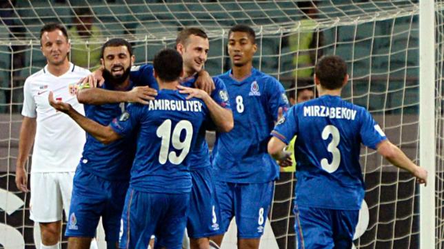 Eddy Silvestre celebra el gol de Azerbaiyán.