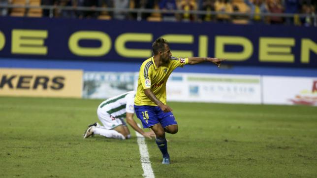 Aitor celebra el gol ante el Córdoba en Copa del Rey
