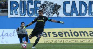 Cifuentes, el mejor del Cádiz CF, no pudo evitar la derrota ante el Tenerife.