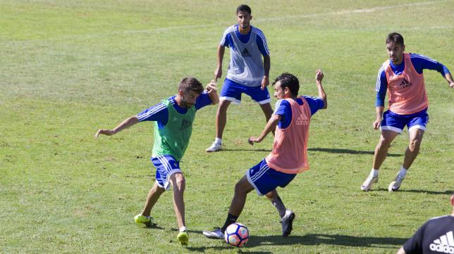 José Mari, Mantecón, Nico Hidalgo y Carlos Calvo en un entrenamiento