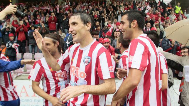 El Lugo celebra uno de sus goles en el Anxo Carro ante el Cádiz CF.