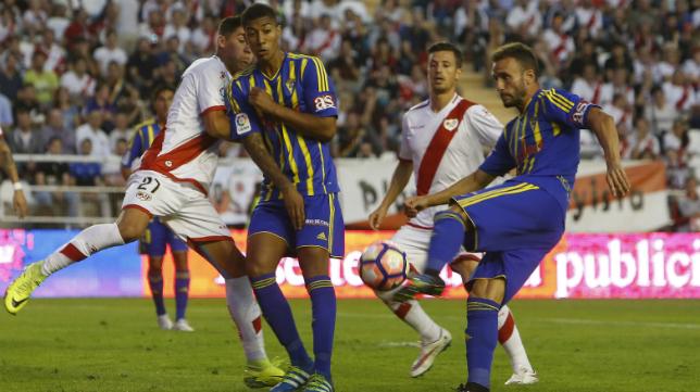 El Rayo pasó por encima del Cádiz CF.