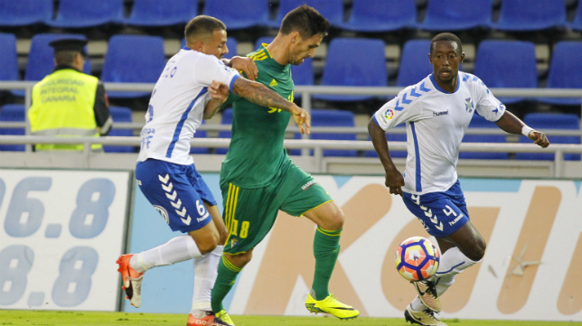 Rubén Cruz en el choque ante el Tenerife