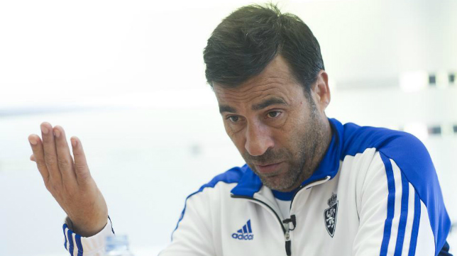 Raúl Agné, ya ex entrenador del Zaragoza.