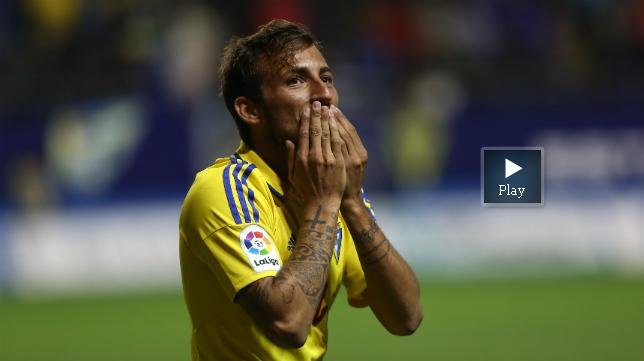 Aitor es un especialista en marcar goles bonitos.
