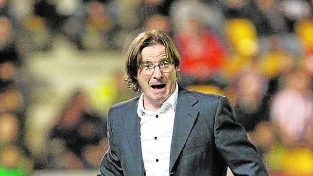 Juan Antonio Anquela, actual entrenador del Huesca, durante su etapa en el Numancia