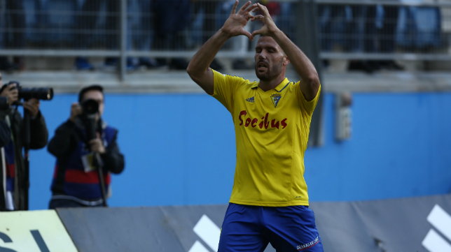 Ortuño celebra su gol ante el Huesca