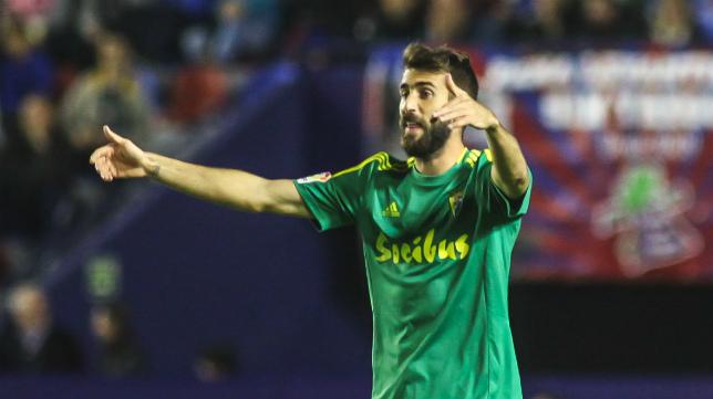 El roteño José Mari se ha hecho dueño y señor del centro del campo del Cádiz CF.