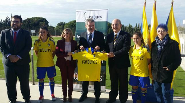 Carbures fue presentado como patrocinador del Cádiz CF Femenino.
