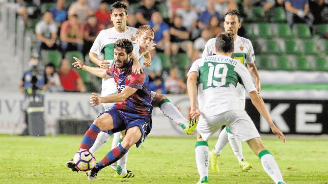 El Levante ganó en Elche esta temporada.