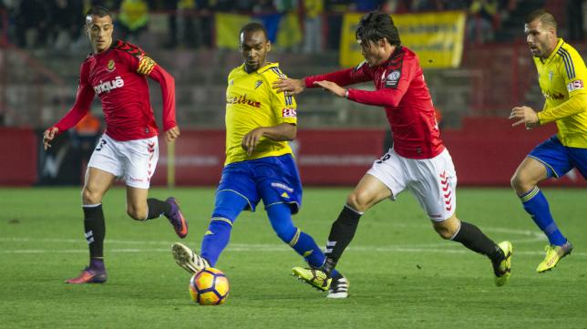 El Nástic ganó al Cádiz CF en Tarragona.