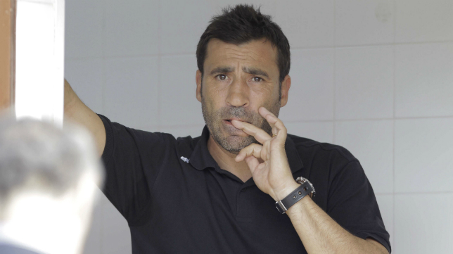 Raúl Agné, en su etapa como entrenador del Cádiz.