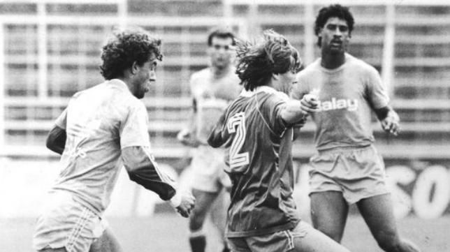 Pepe Mejías, entrenando junto a Frank Rijkaard.