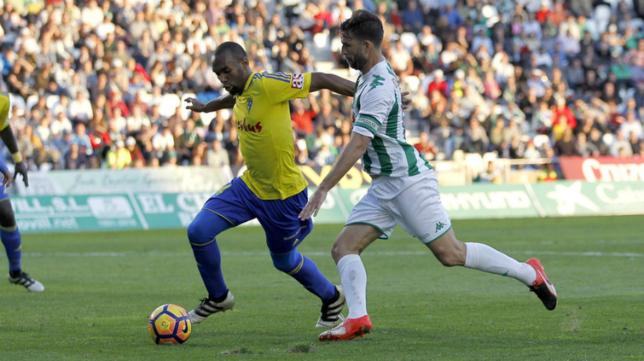Abdullah en el choque ante el Córdoba de la pasada temporada.