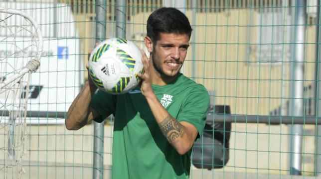 Alberto Quintana, en un entrenamiento con el Cartagena.