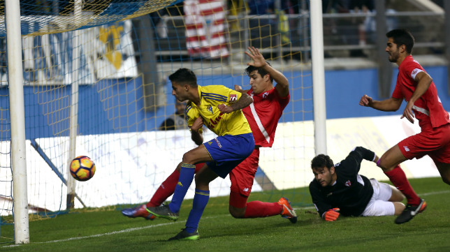 Nico se estrenó como goleador