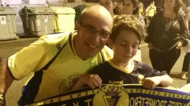 José Manuel disfrutó el día de la celebración del ascenso junto a su hijo.
