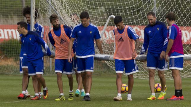 Los futbolistas del Cádiz quieren recuperar el buen tono tras la derrota en Tarragona.