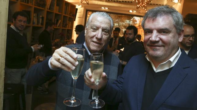 Juan José Pina y Manuel Vizcaíno brindan por el año nuevo
