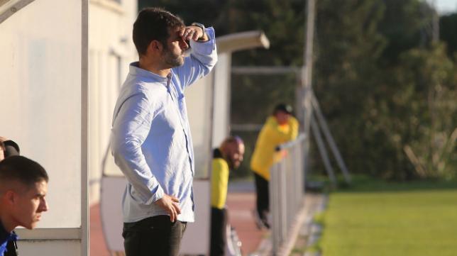 Mere ya está preparado para una nueva temporada al frente del Cádiz CF B.