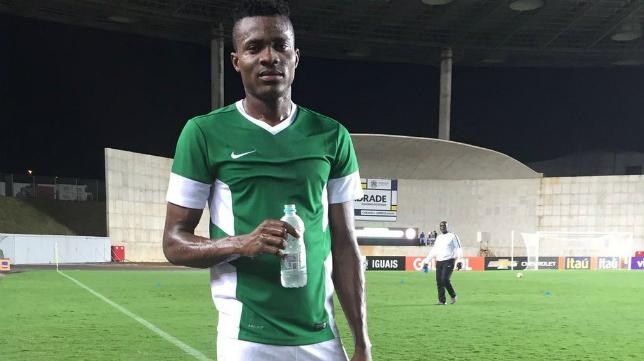 Saturday Erimuya. central nigeriano de 18 años, jugará finalmente en el Cádiz CF B. Foto: Cádiz CF.