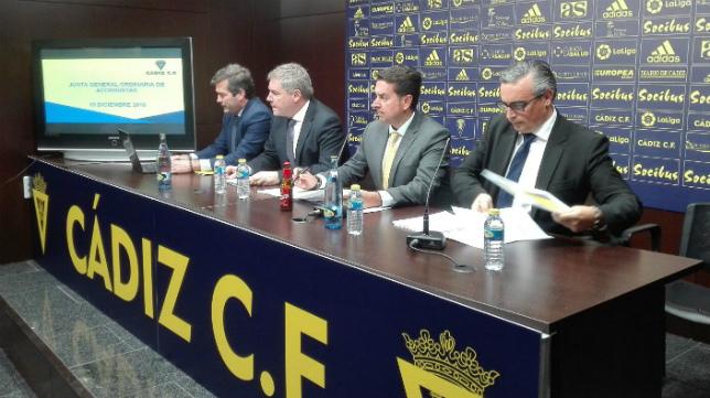 Manolo Vizcaíno presentará la nueva web oficial del Cádiz CF en la sala de prensa de Carranza.