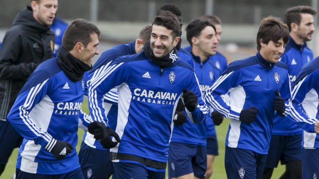 Salvo novedad, Cani, en el centro de la imagen, no estará ante el Cádiz CF.