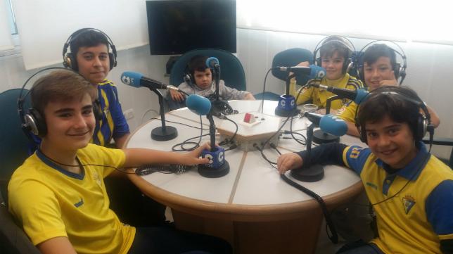 Los niños analizan por un día la actualidad del Cádiz CF