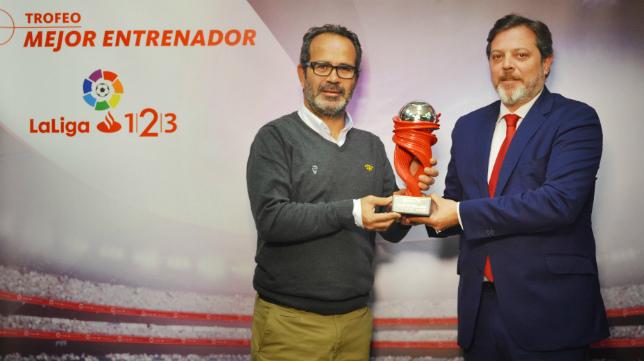 Álvaro Cervera, el mejor entrenador del mes pasado.