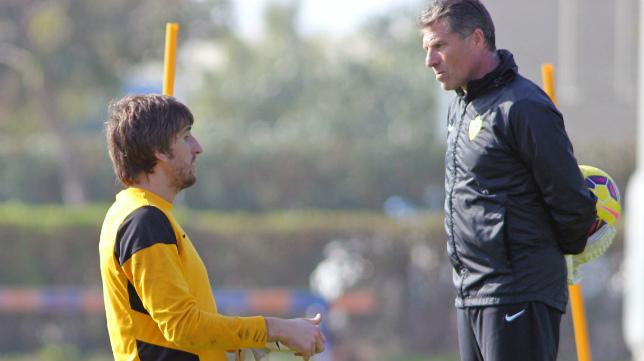 Férez es el actual entrenador de porteros del Almería.