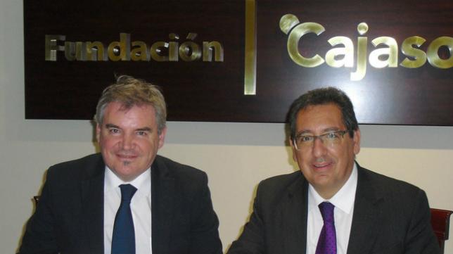 El presidente de la Fundación Cajasol, Antonio Pulido, y el presidente del Cádiz CF, Manuel Vizcaíno.