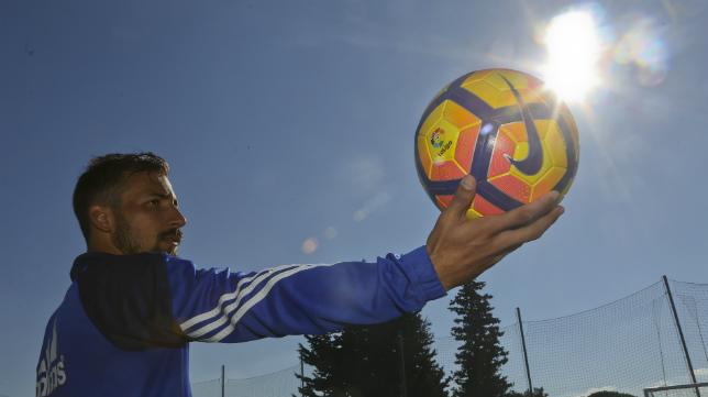 Aitor García está siendo una de las revelaciones de este Cádiz CF.
