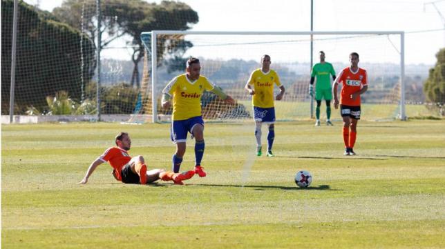El Cádiz CF perdió en El Rosal ante el Laussane (Foto: CCF)