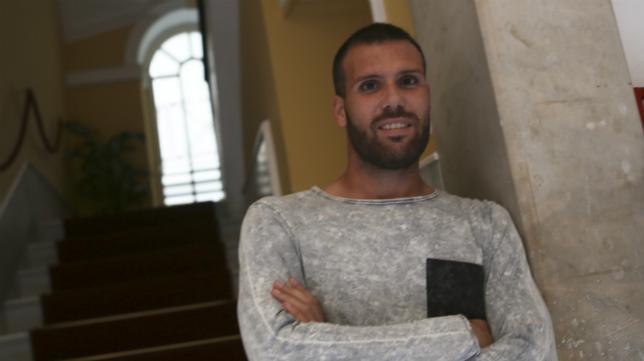 Alfredo Ortuó está feliz en Cádiz .
