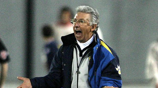 Víctor Espárrago dirigió al Cádiz Cf en su última visita a San Moix.