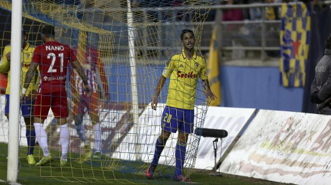 Nico Hidalgo es el actual titular en la banda derecha del Cádiz CF.