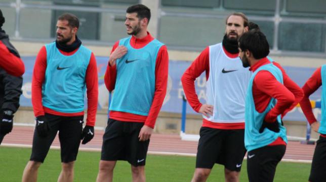 Nano, Javi Álamo y Borja Fernández en un entrenamiento del Almería.