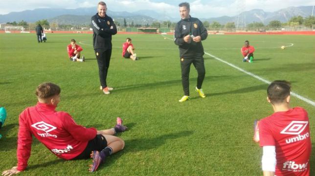 El entrenador Javier Olaizola ya ha planificado la semana de entrenamientos del Mallorca: Foto: RCDM.