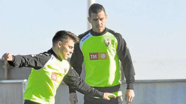 Josete, en un entrenamiento con el Elche, equipo con el que ha descendido este año.