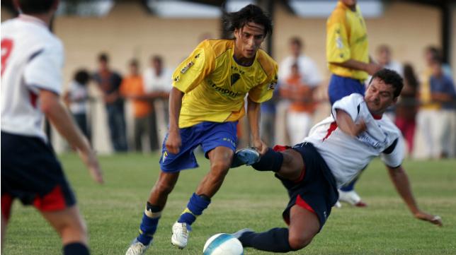 Lucas Lobos deleitó a Carranza con jugadas de otra categoría.