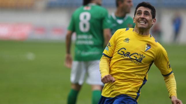 Peragón en su etapa en el Cádiz CF